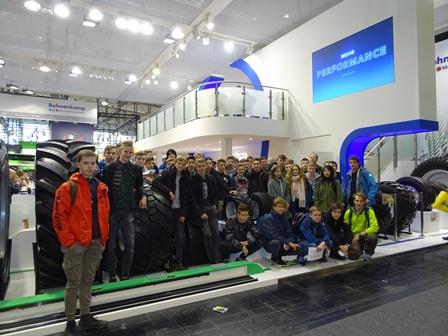 Technik zum Anfassen – Realschüler besuchen die Agritechnica in Hannover